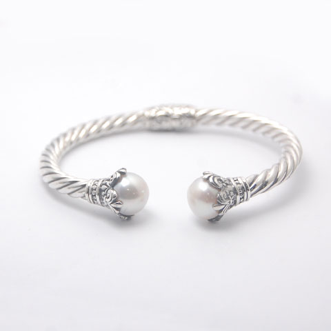 Twisted cable bracelet